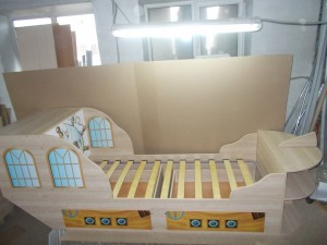 Кровать-кораблик